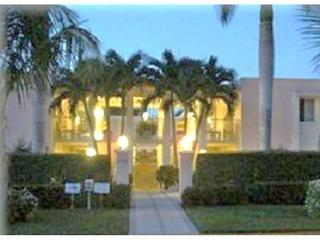 Sept  Sale now $650 wkly on 5th & blk to beach, Naples