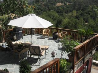 Charming 2 Story Mountain Guest House- 5 miles to, Topanga