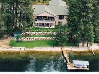 Private Beach in great bay,Comfortable family Home, Hayden Lake