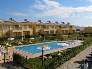 3 BEDROOM VILLA FOR 8 IN A CONDO WITH POOL AND TENNIS COURT IN PERA - REF. VBRR134936, Alcantarilha