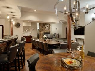 Aspen's Best 10 BR, walk to restaurants & shops, 3 blocks to Gondola