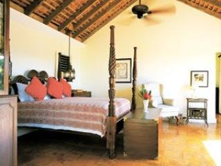 Large 4 Bedroom Villa in Round Hill, Hopewell