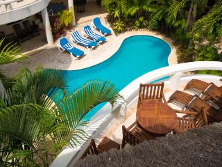 Blue Palms; 1 bedroom condo steps from the beach!, Playa del Carmen