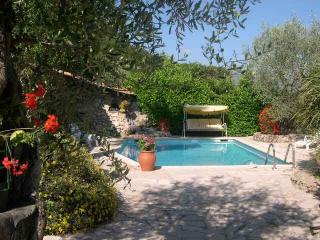 Luxury  Apartment in villa with pool 20 mins Nice, St-Laurent du Var