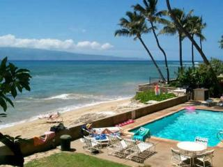 2-BR with Amazing Ocean Views and Private Beach, Lahaina