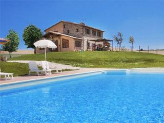 Villa il Poggio di Castellina - Charming Villa close to Beach and Cities, A/C & panoramic Pool - Tuscany vacation rentals