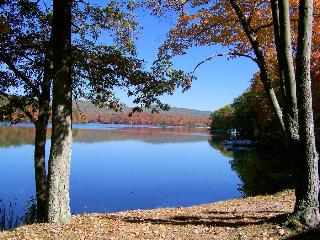Lake 2 bedrm Condo Quail Hollow Drums Poconos, PA