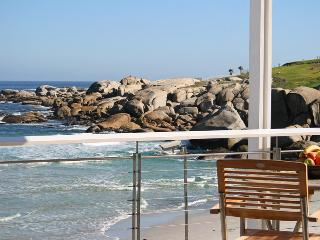 Camps Bay / Glen Beach Bungalow - upper penthouse