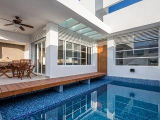Casa Cielito - Brand New, Modern Design, Pool, Roof Deck, Cozumel