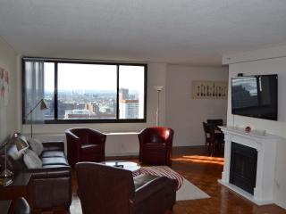 West End One Bed: 30th Floor with Balcony & Views, Boston