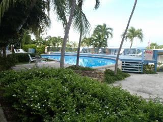Clean 1bedroom with a turquoise view, Christiansted