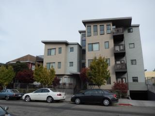 Stylish, Newly Furnished, Uptown Condominium, Oakland