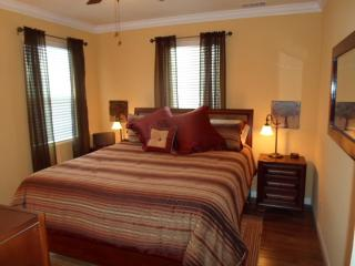 New! Charming & Comfortable Downtown Paso Rental, Paso Robles