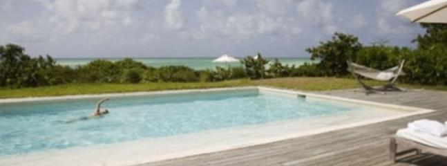 Cozy 3 Bedroom Beachfront Villa in Parrot Cay