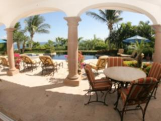 Delightful 5 Bedroom Home with Private Pool & Jacuzzi in San Jose del Cabo, San Jose Del Cabo