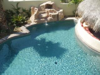 Glamorous 5 Bedroom Villa with Private Pool & Jacuzzi in Cabo San Lucas