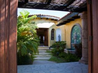 Contemporary 4 Bedroom Home with View in Los Cabos Corridor, Cabo San Lucas
