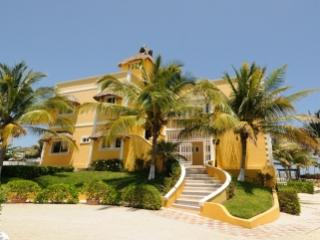 Unique 10 Bedroom Villa with Private Swimming Pool & Jacuzzi in Playa del Secreto - Playa del Secreto vacation rentals