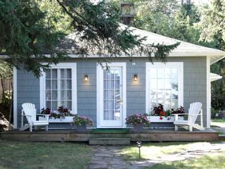 GO-Cottage - 2 Bedroom Bungalow Cottage, Lake Placid
