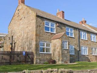 THE COTTAGE, character cottage, open fire, WiFi, pet-friendly, garden, near Staithes, Ref 30859