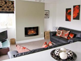 DUKESBURY, family friendly, luxury holiday cottage, with a garden in Grange-Over-Sands, Ref 903934, Grange-over-Sands
