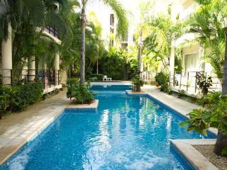 2  Bedroom, 2 Bathroom Condo with Swim Pool, Beach, Playa del Carmen
