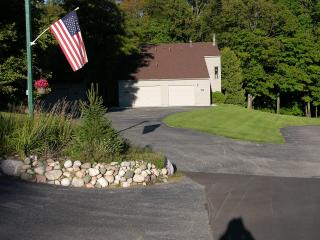 Harbor Springs Condo, Prime Year Round Location