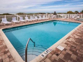 Beautiful Newer Beach Front Condo located directly on the Gulf of Mexico, Indian Rocks Beach