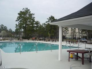 Charming 2 Bedroom Condo WiFi, Golf  6 miles Beach, Myrtle Beach