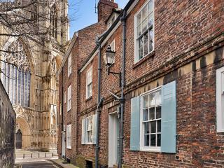 2 Precentor's Court, York Minster
