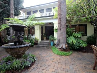 Gorgeous, Private Home in the Heart of Hollywood, Los Ángeles