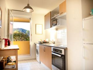 Comfortable all furnished 2BD Parking POOL/TENNIS, Touques