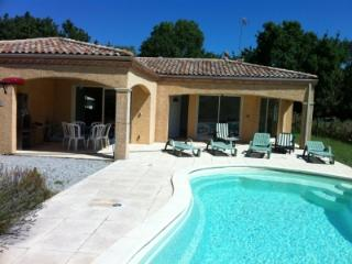 Airy New 3BR Villa in Gated Community w Pool & Spa, Carcassonne