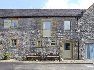 WELL COTTAGE, part of the Chatsworth Estate, pet-friendly, woodburner in Wetton Ref 17464 - Derbyshire vacation rentals