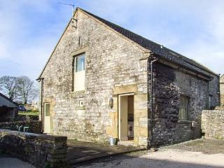 THORS BARN, part of the Chatsworth Estate, pet-friendly, woodburner in Wetton Ref 904711 - Derbyshire vacation rentals