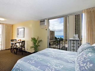 Ocean View Bamboo Waikiki Condo Close to Beaches, Honolulu