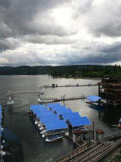 There is a lot to do in Coeur d'Alene, such as visit the Coeur d'Alene Resort. Eat at Beverly's!
