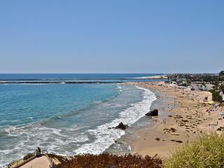 New! 1 Block to beach in Corona Del Mar, with Patio, outdoor dining,  parking. - San Clemente vacation rentals