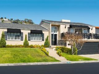 Ocean view Emerald Bay Villa has access to beach, pool, jetted tub and tennis court, Orange County