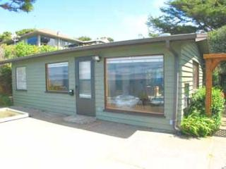 Private Beachfront Cottage with Panoramic Ocean View, Gleneden Beach