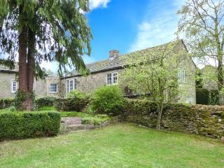 SMITH COTTAGE, semi-detached, all ground floor, woodburner, parking, garden, in Appletreewick, Ref 20323
