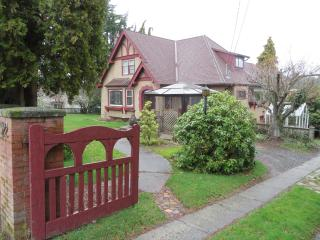 Great place close to the ocean - Nanaimo vacation rentals