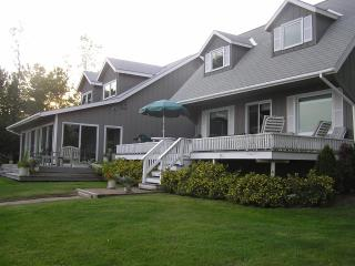 Private Waterfront Home On Lake Champlain With 10 Landscaped Acres - Lake Champlain Valley vacation rentals
