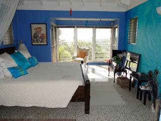 Mountain top Private Retreat - Romantic Bedroom, Christiansted