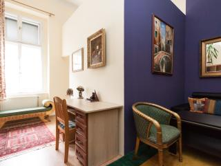 Stunning 2 bdr apartment in the very heart of Budapest, Budapeste