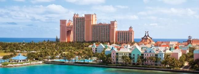 Thanksgiving in Paradise, Paradise Island
