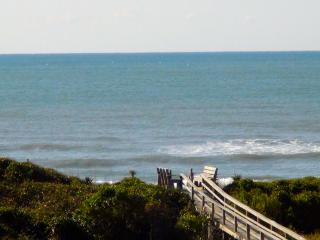 Spring NO CLEANING FEE 3 night min SUMMER FILLING, Emerald Isle