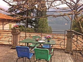 Lake Como, rental studio apatments: right apartment, Carate Urio