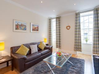 MacNiven Apartment on Blair Street - Edinburgh & Lothians vacation rentals