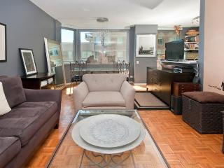 Convenient Midtown East  apt in luxury building, Nueva York